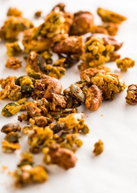 Granola salé au paprika fumé de Supersec, snack salé bio et vegan