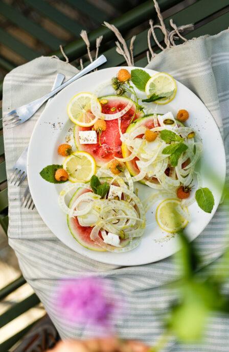 Fenouil cru en salade avec pastèque et feta - entrée facile et bon marché Supersec